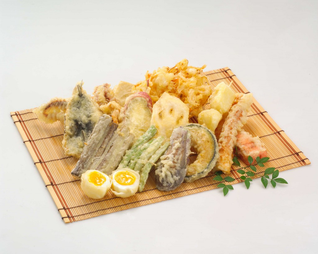 Tôm, sò, mực, trứng cút, ớt xanh, củ sen, bí đỏ, lá tía tô,... hầu như nguyên liệu gì không phải chất lỏng đều có thể trở thành Tenpura. Trừ thịt và cá.