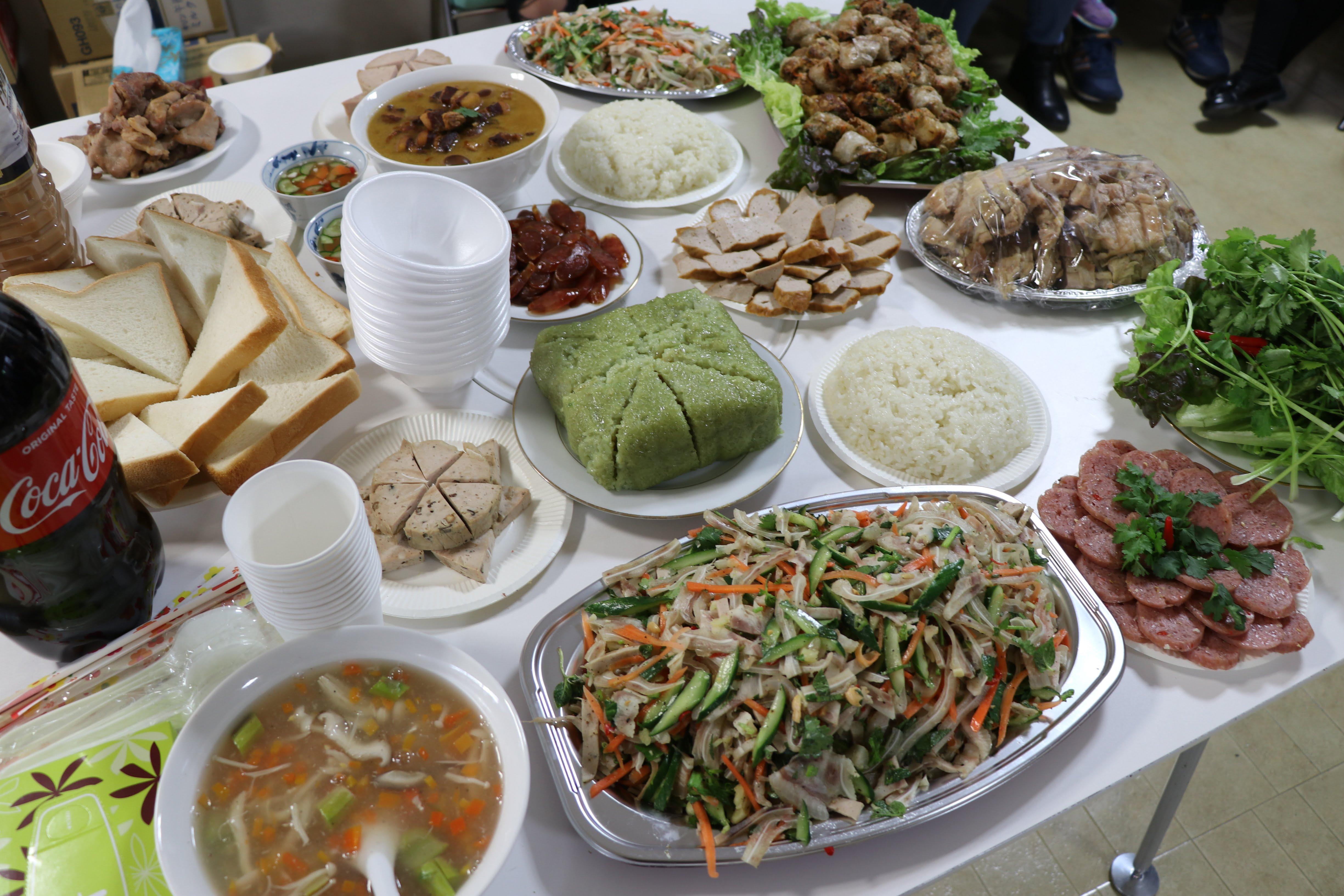 Các món ăn Việt Nam